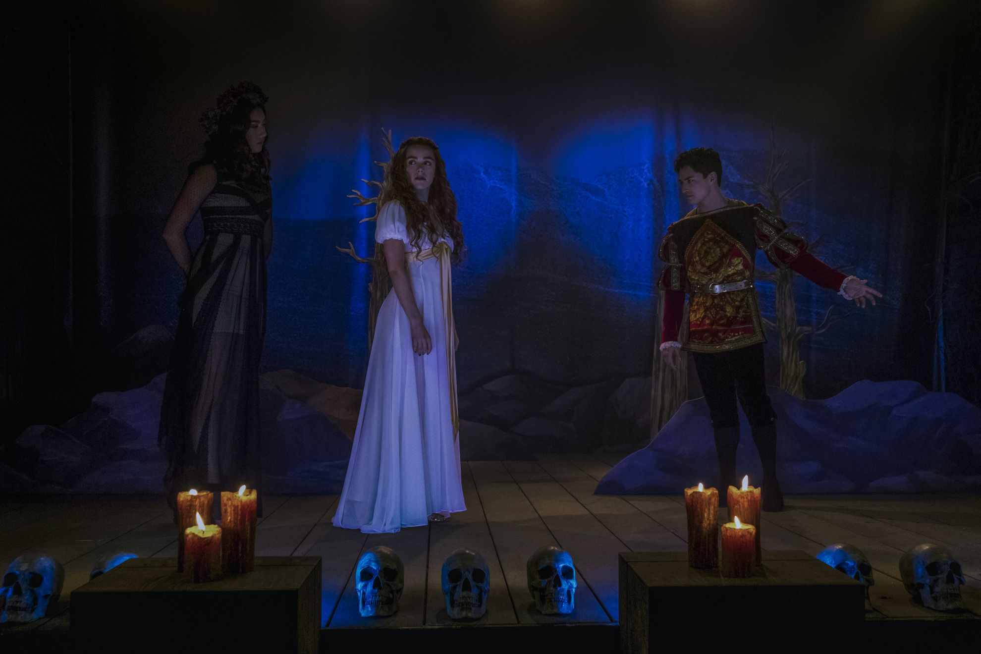 Le terrificanti avventure di Sabrina: Kiernan Shipka insieme a Gavin Leatherwood nella seconda stagione