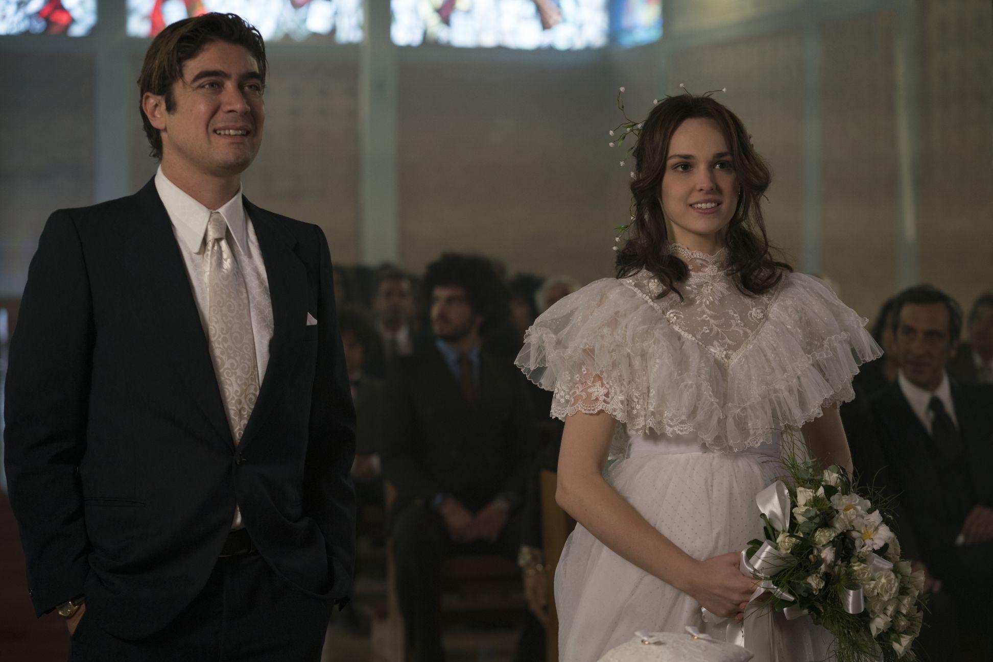 Lo Spietato: Riccardo Scamarcio e Sara Serraiocco in una scena