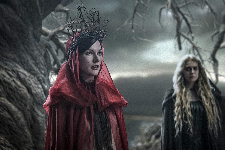 Hellboy: un'immagine di Milla Jovovich nel film