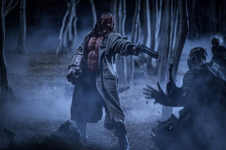 Hellboy: David Harbour in una scena d'azione del film