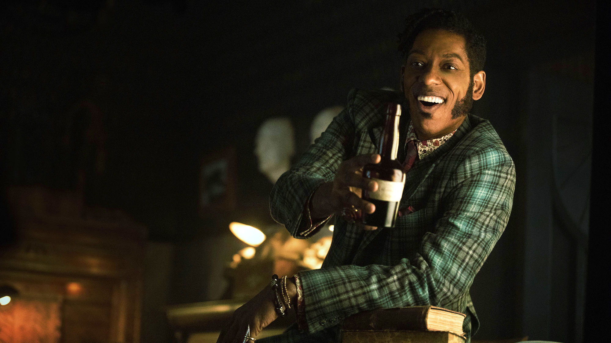 American Gods:  Orlando Jones nell'episodio The Ways of the Dead