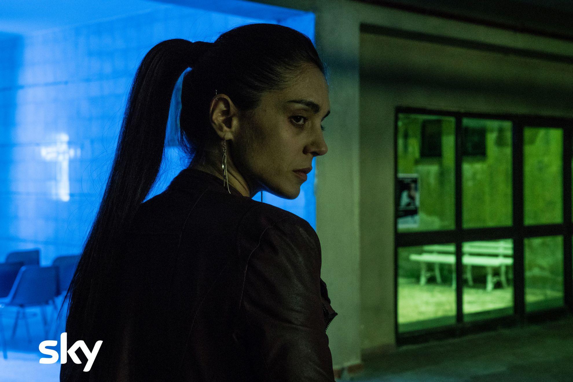 Gomorra - La serie: Cristiana Dell'Anna in una sequenza del quinto episodio della quarta stagione