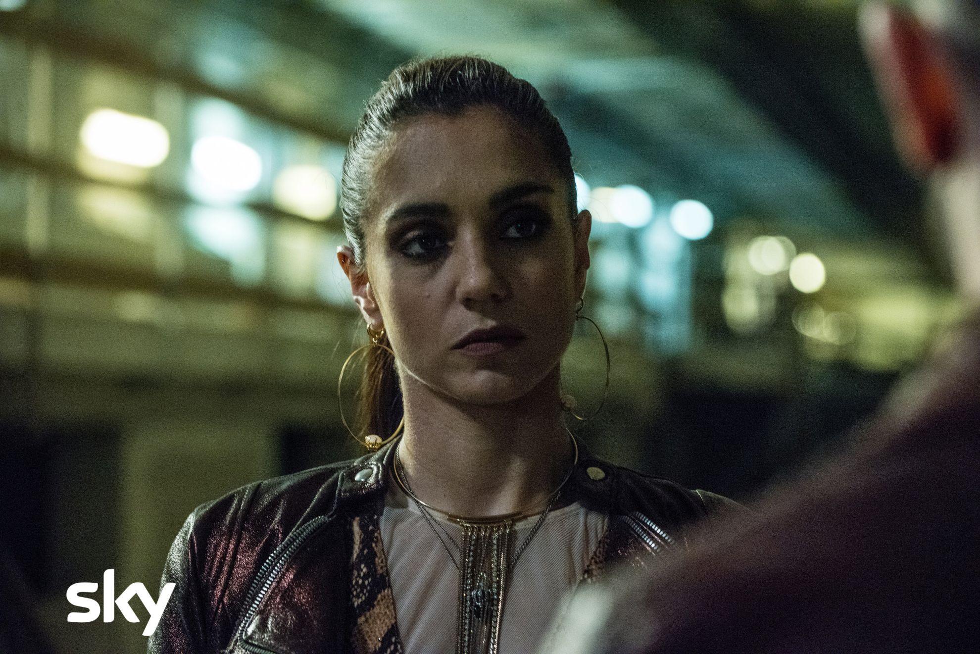 Gomorra - La serie: un primo piano di Cristiana Dell'Anna, quinto episodio della quarta stagione