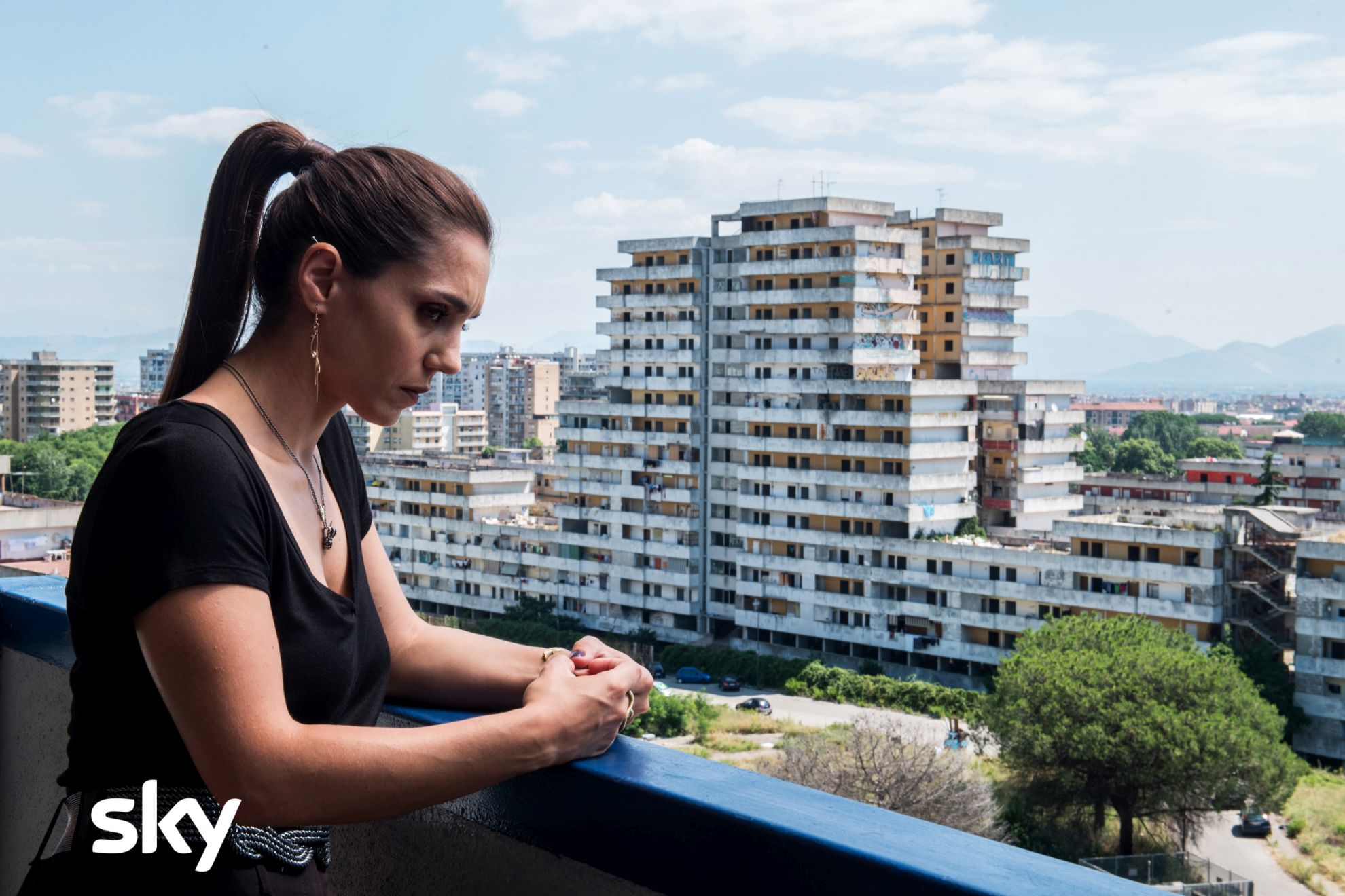 Gomorra - La Serie: Cristiana Dell'Anna in un momento del sesto episodio della quarta stagione