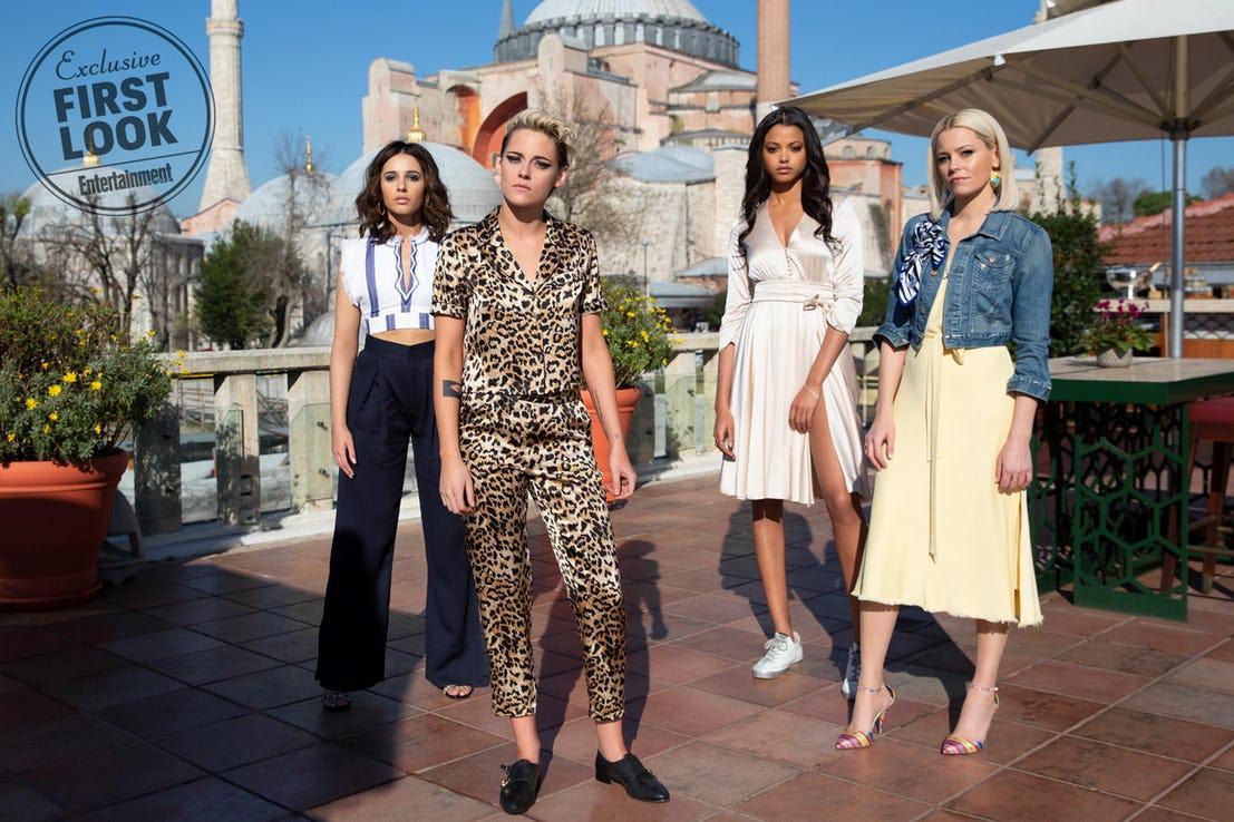 Charlie's Angels:Kristen Stewart, Naomi Scott ed Ella Balinska con Elizabeth Banks