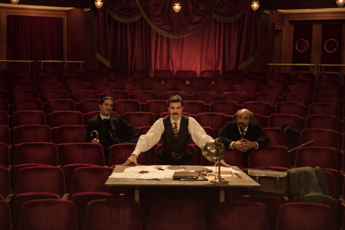 Cyrano Mon Amour: Simon Abkarian, Marc Andréoni, Thomas Solivérès in una scena del film
