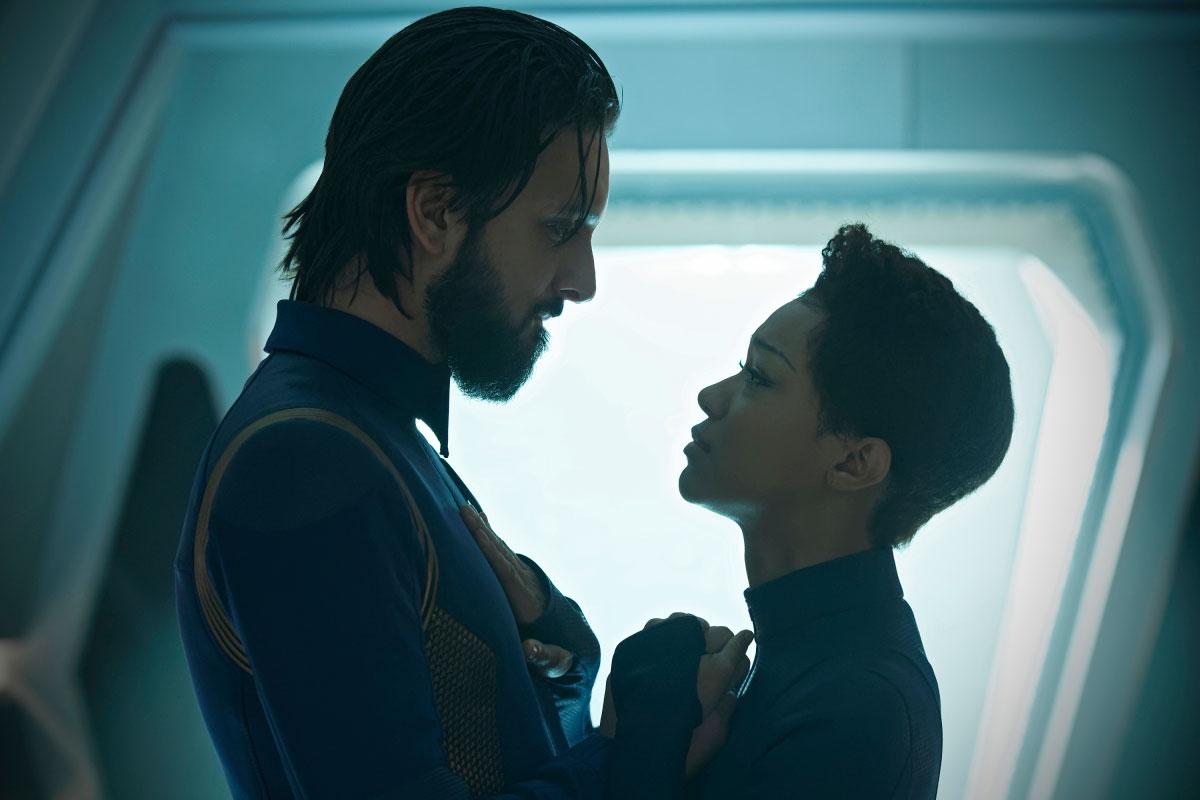 Star Trek: Discovery, Sonequa Martin-Green e Shazad Latif in una scena dell'episodio Such Sweet Sorrow
