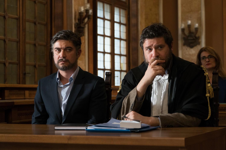 Non sono un assassino: Edoardo Pesce e Riccardo Scamarcio in  una scena del film