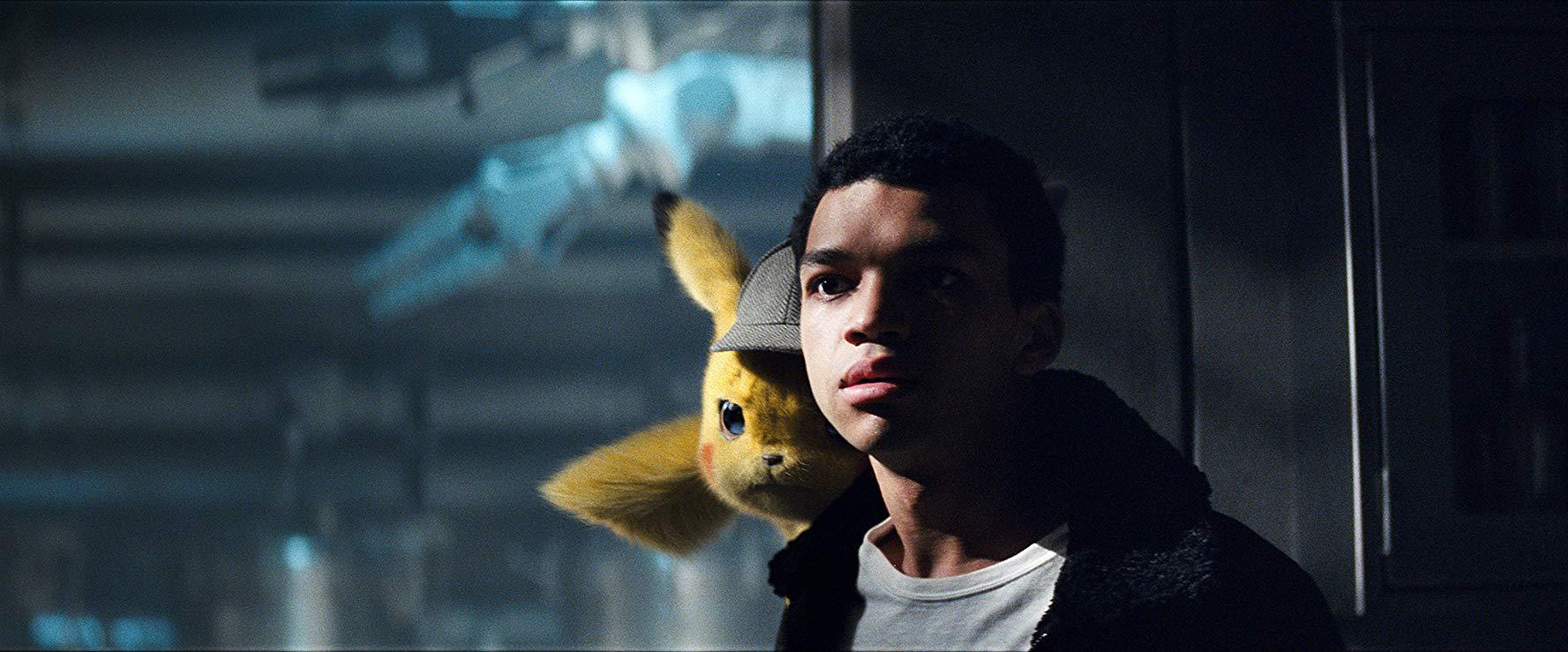 Detective Pikachu: un momento del film con Justice Smith