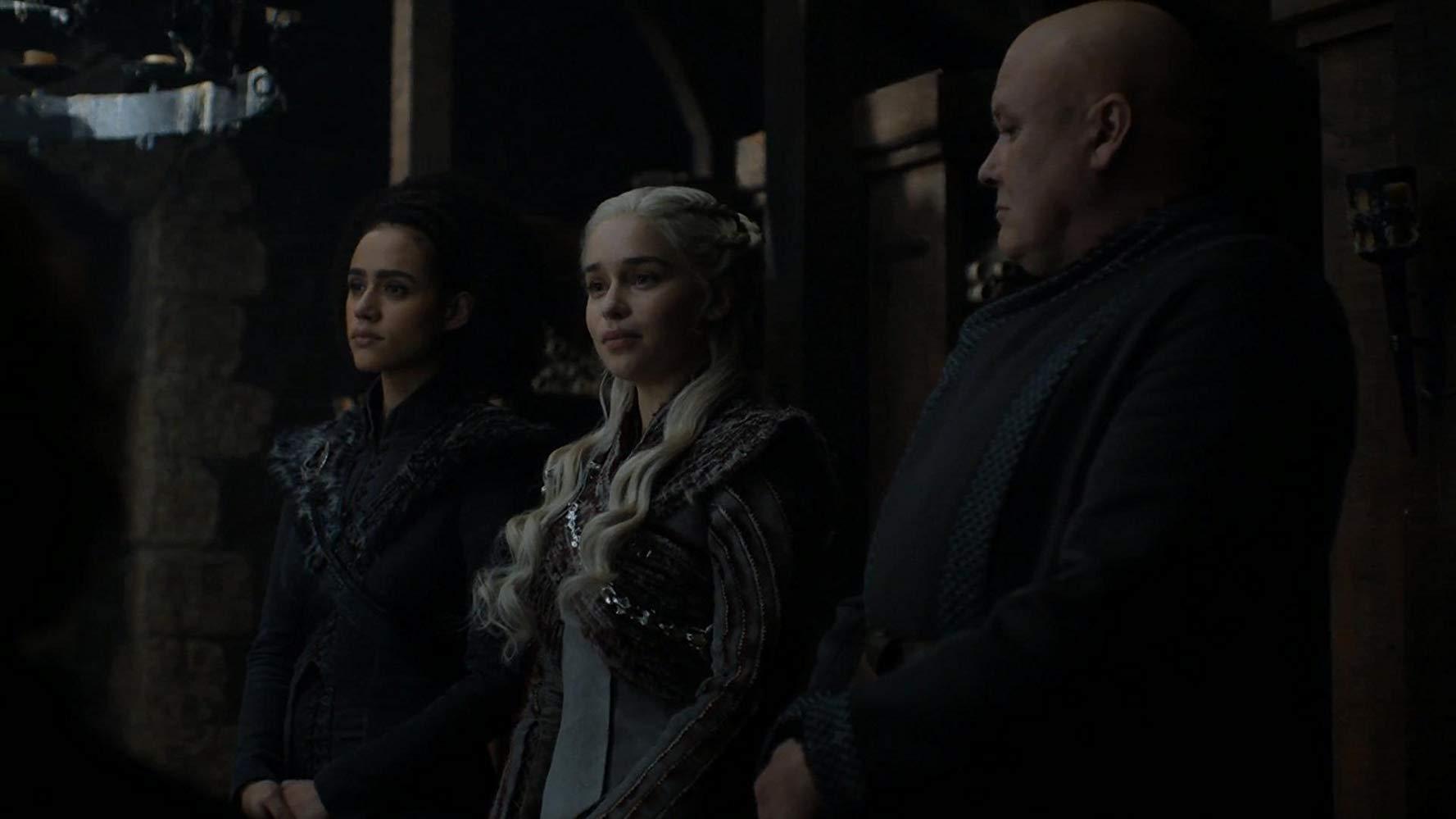 Il trono di spade: Emilia Clarke, Conleth Hill e Nathalie Emmnuel nel quarto episodio, stagione 8