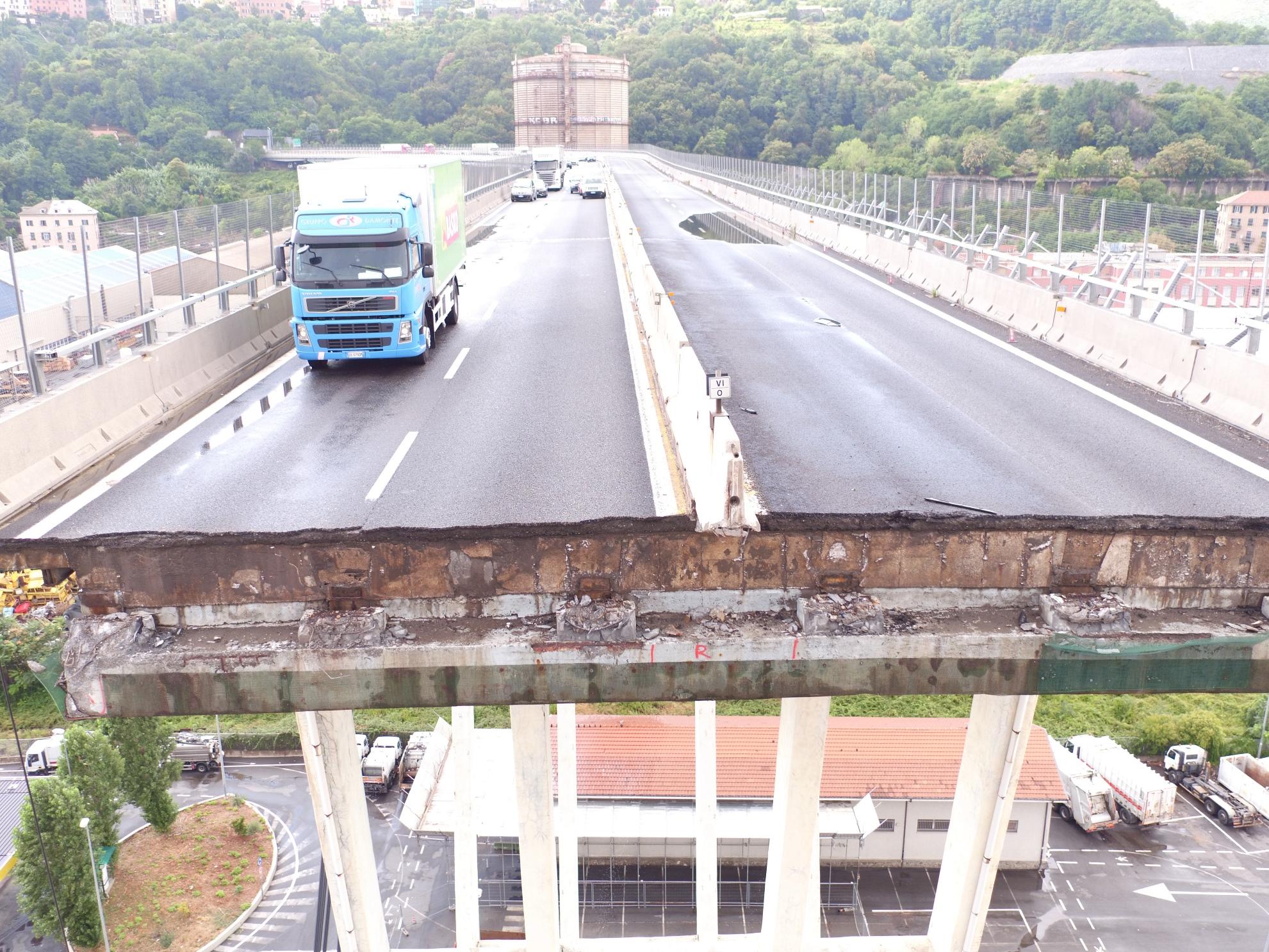 Il ponte di Genova: Cronologia di un disastro, una scena del documentario