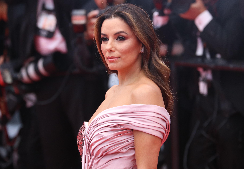 Cannes 2019: uno scatto di Eva Longoria sul red carpet di apertura