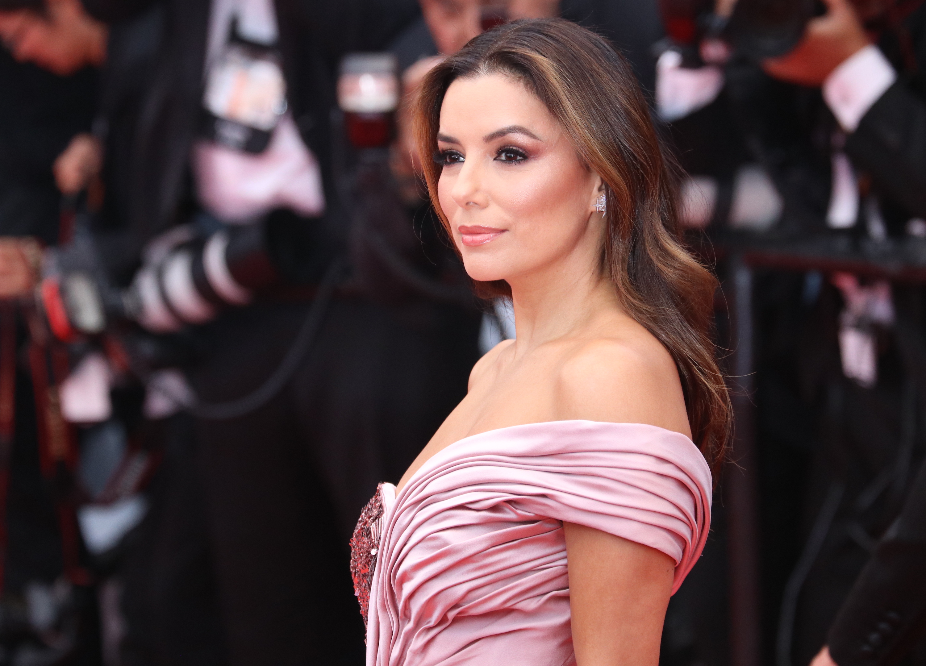 Cannes 2019: Eva Longoria sul red carpet di apertura