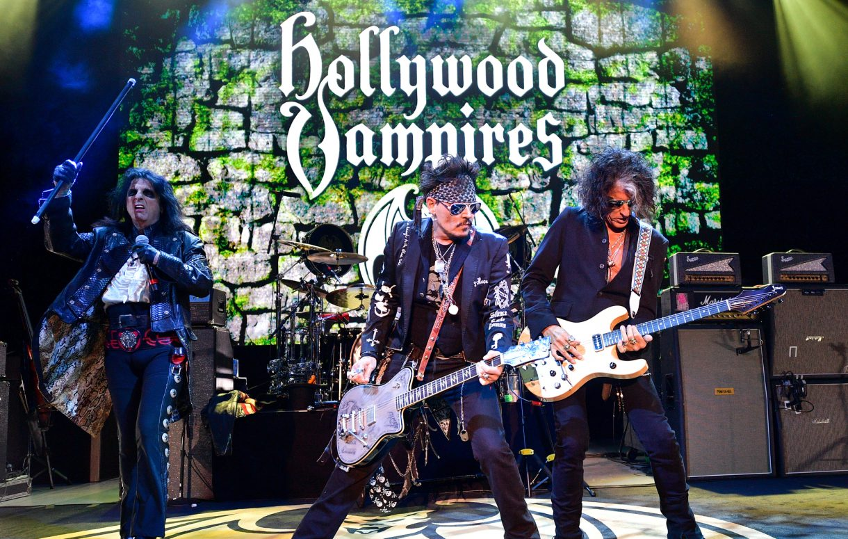 Johnny Depp sul palco a Los Angeles con gli Hollywood Vampires