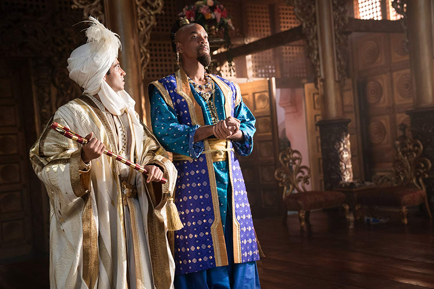 Aladdin: Will Smith e Mena Massoud in una scena del film