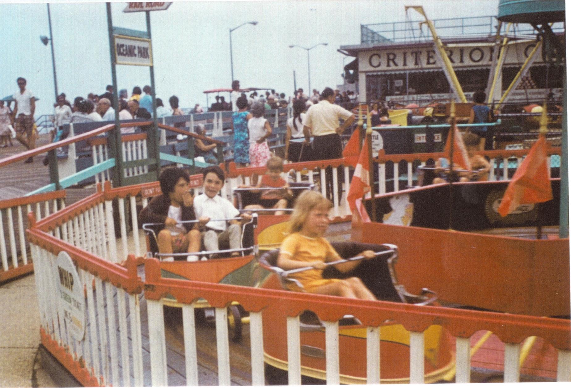 Asbury Park: Lotta, Redenzione, Rock and Roll, Boardwalk Ride in una scena del docu-film