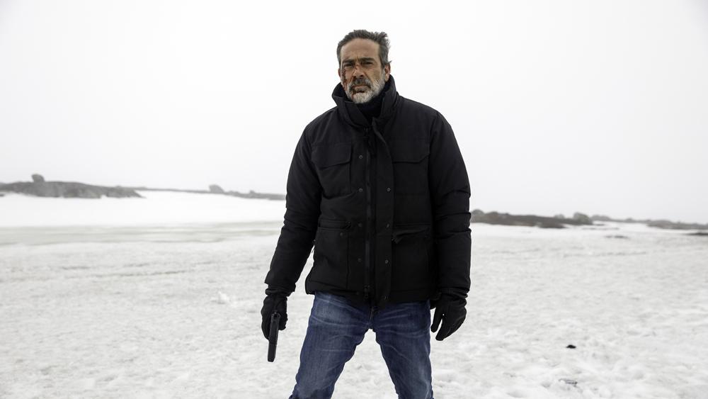 The Postcard Killings: Jeffrey Dean Morgan nella prima foto del film