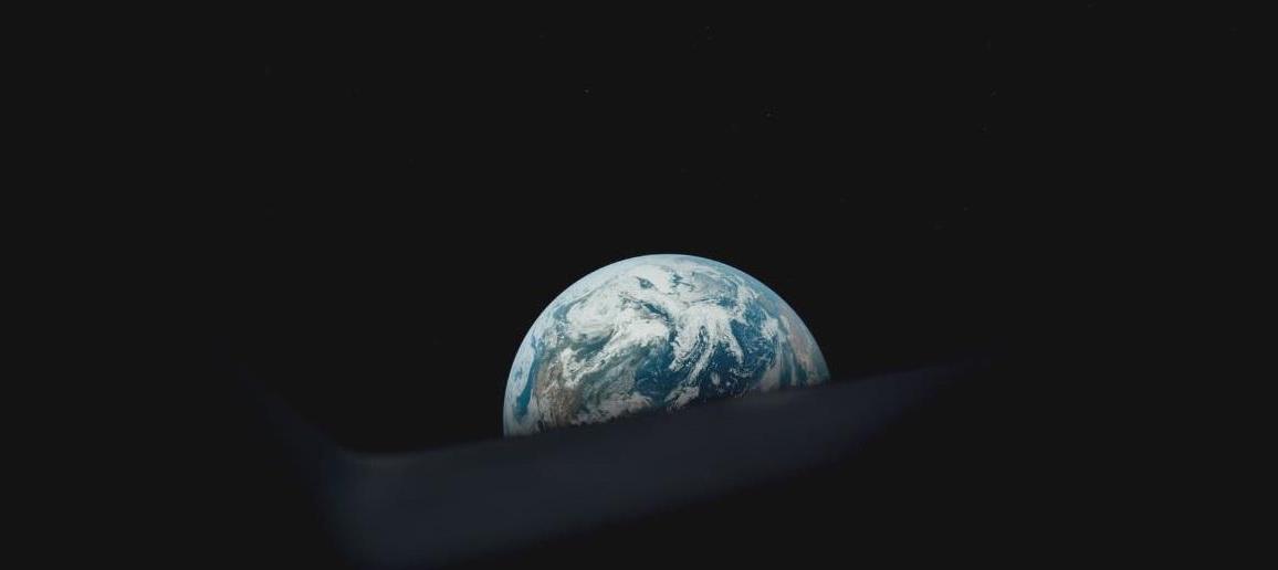 Apollo 11:la Terra vista dallo spazio in una scena del documentario