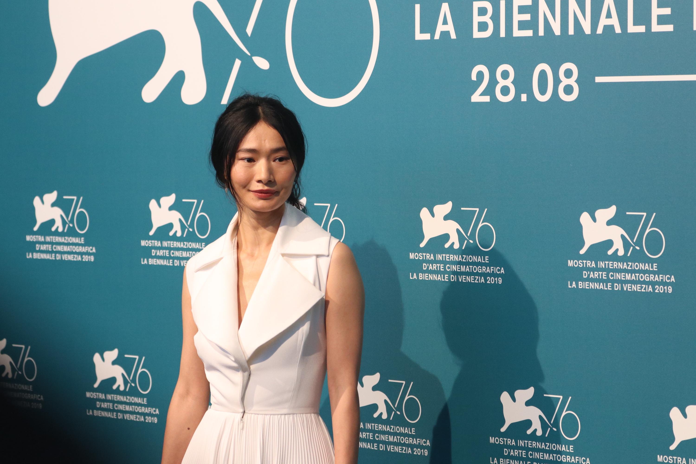 Venezia 2019: Gana Bayarsaikhan al photocall di Waiting for the Barbarians