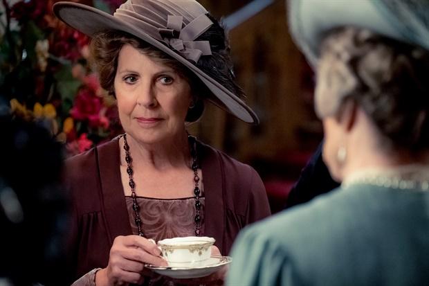 Downton Abbey: Penelope Wilton in una scena del film