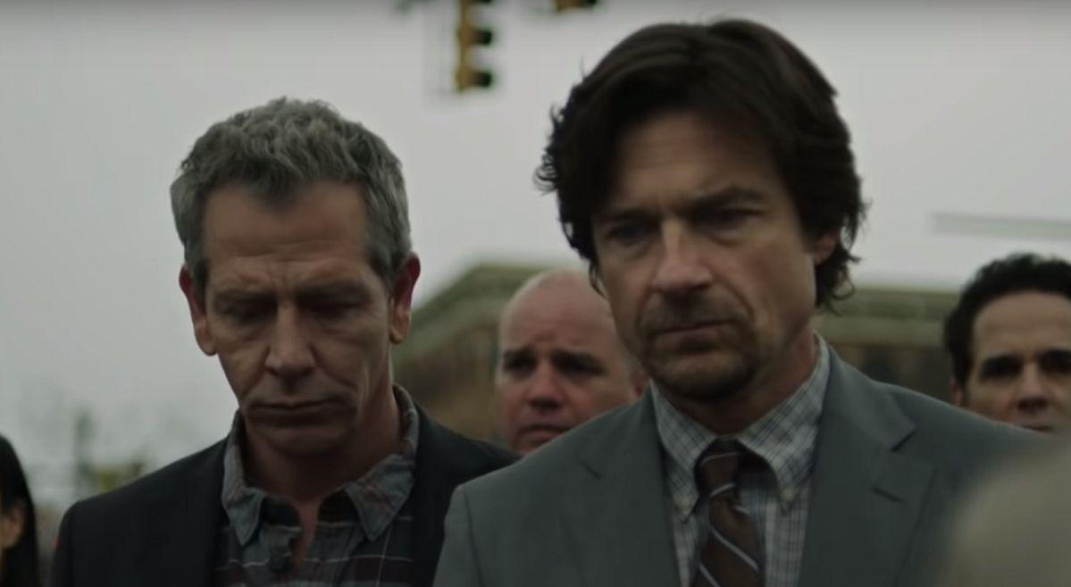 The Outsider: Jason Bateman e Ben Mendelsohn in una scena