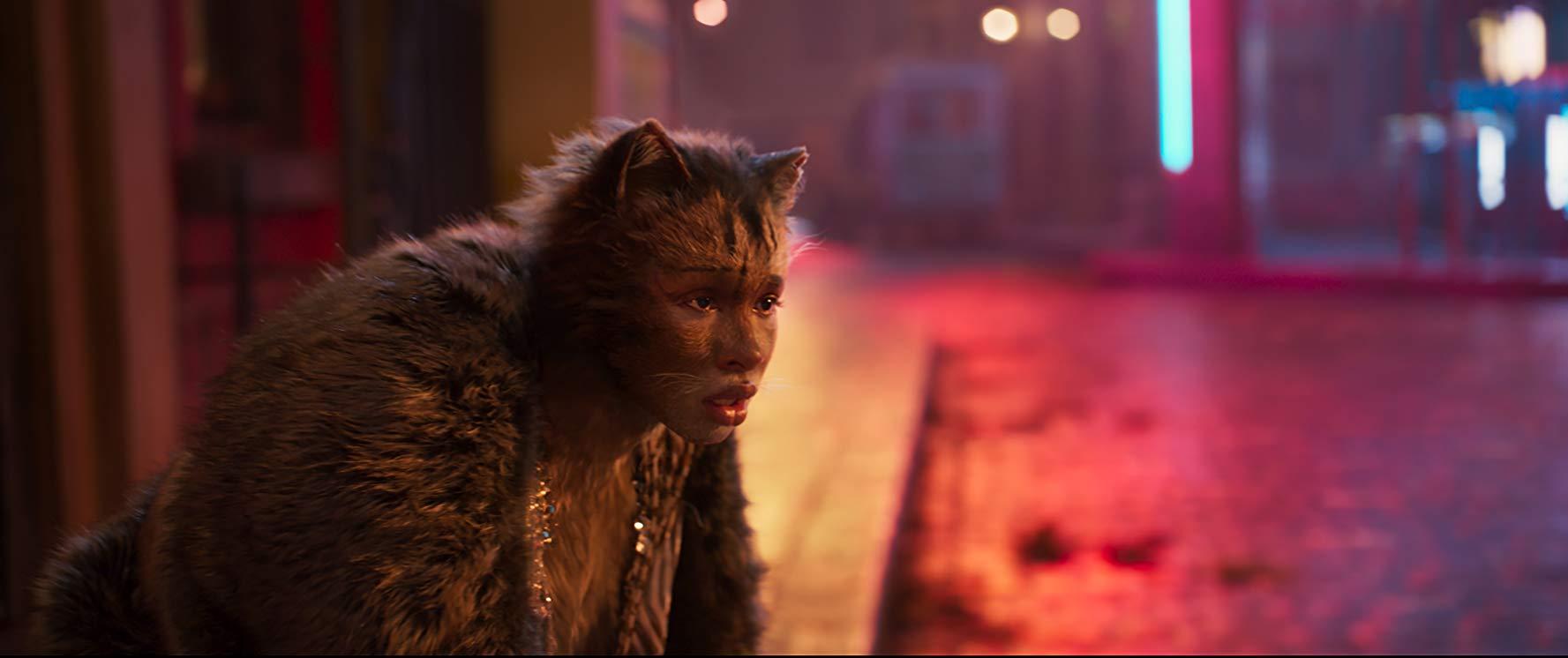 Cats: una scena del film con Jennifer Hudson