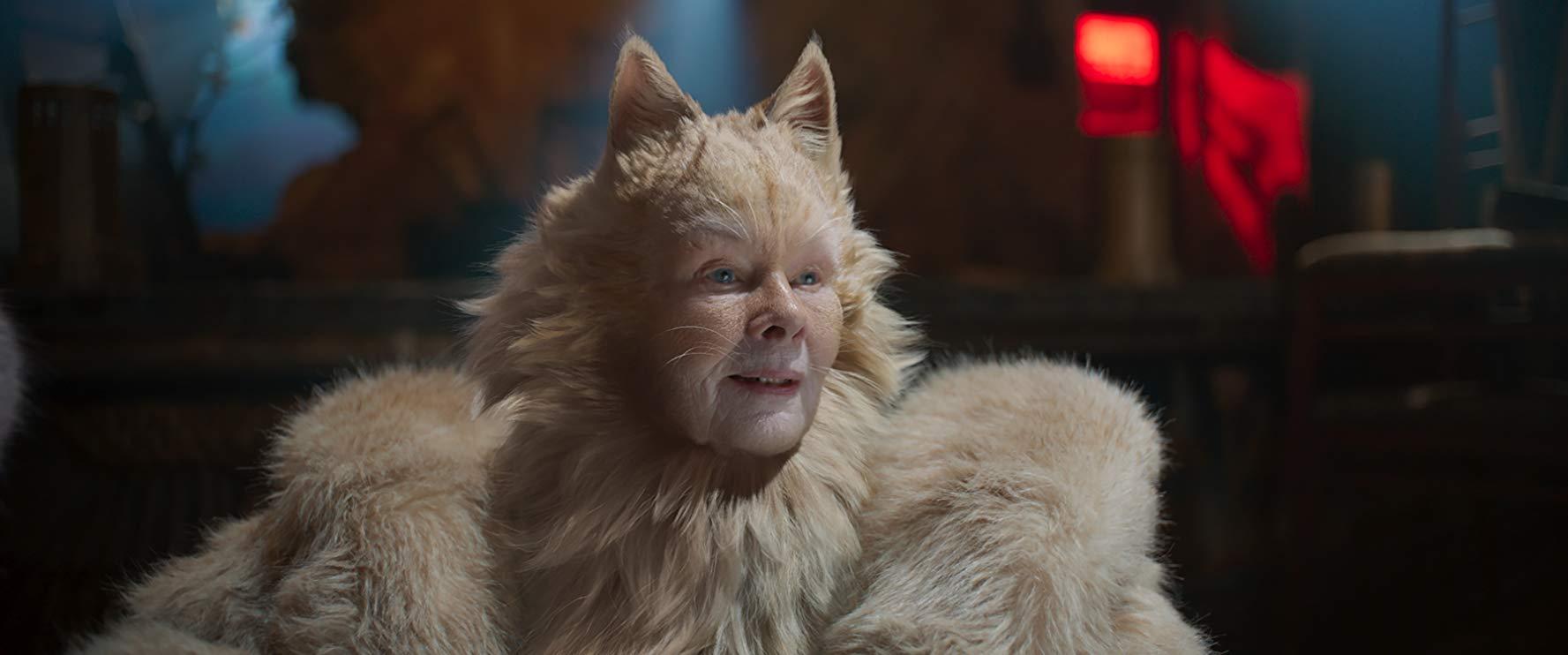 Cats: Judi Dench in una scena del film