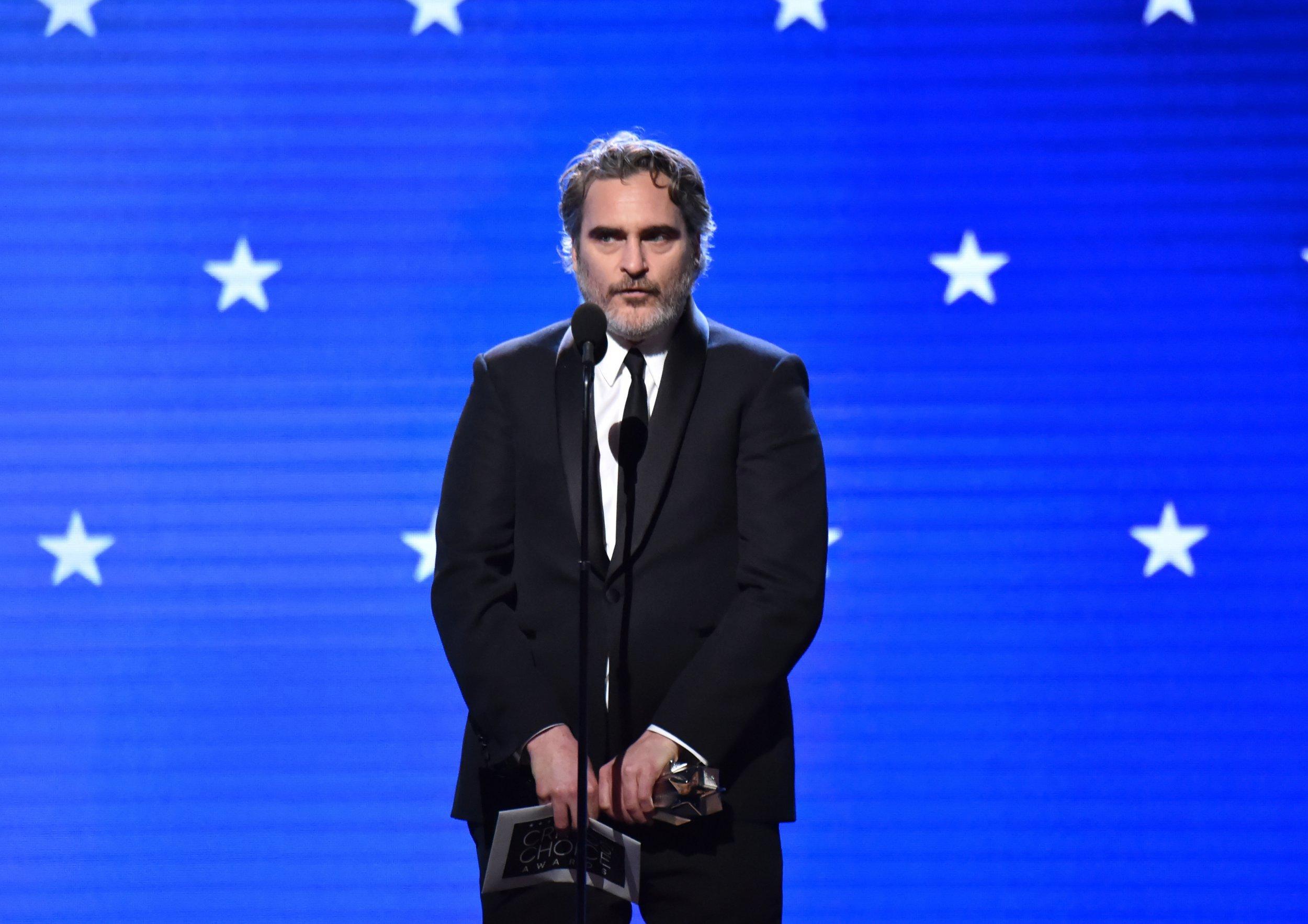 Critics' Choice Awards 2020: Joaquin Phoenix ritira il premio