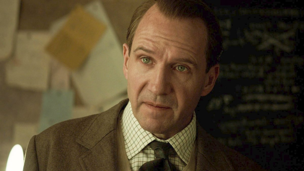 The King's Man - Le origini, un primo piano di Ralph Fiennes
