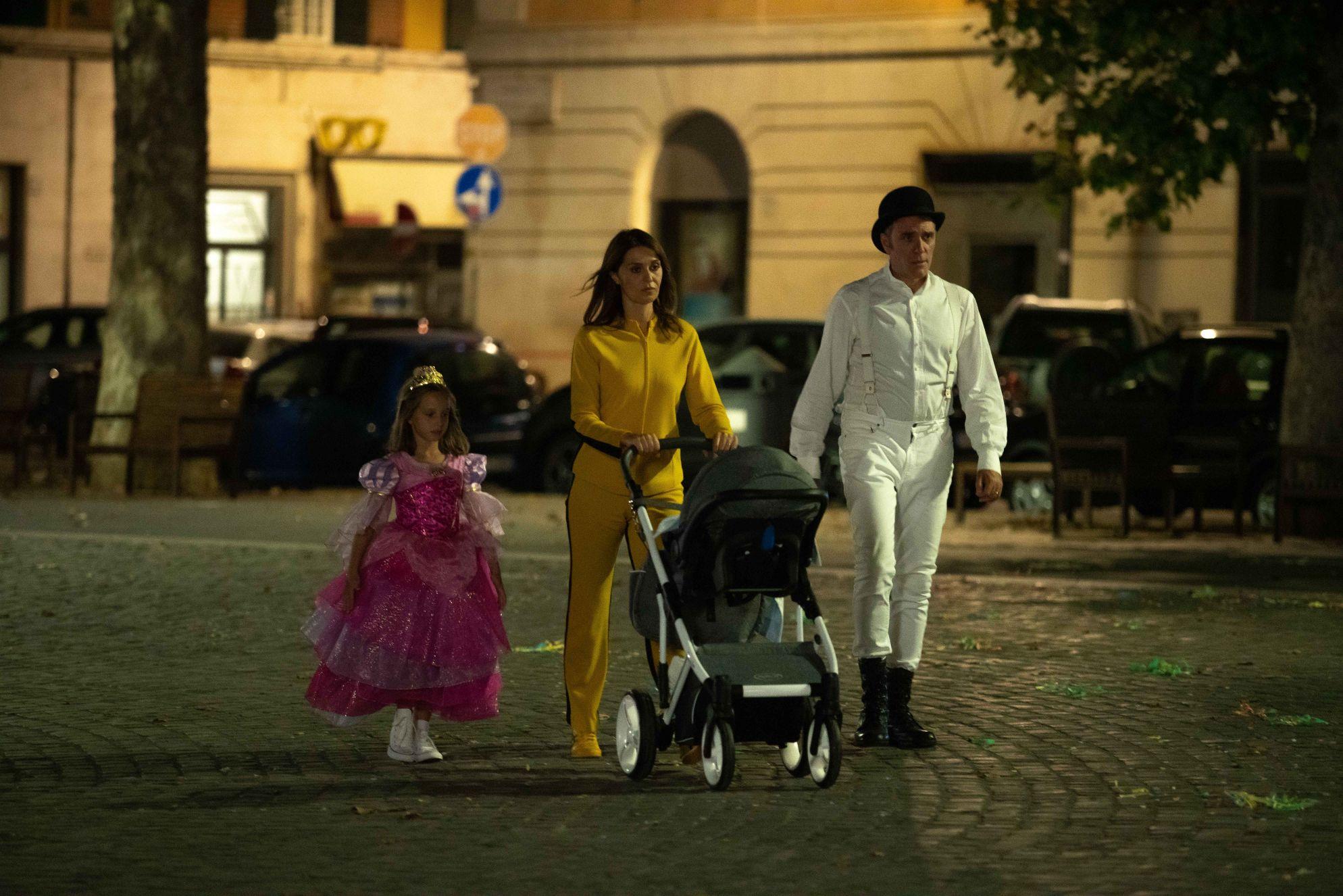 Figli: una scena del film con Paola Cortellesi e Valerio Mastandrea
