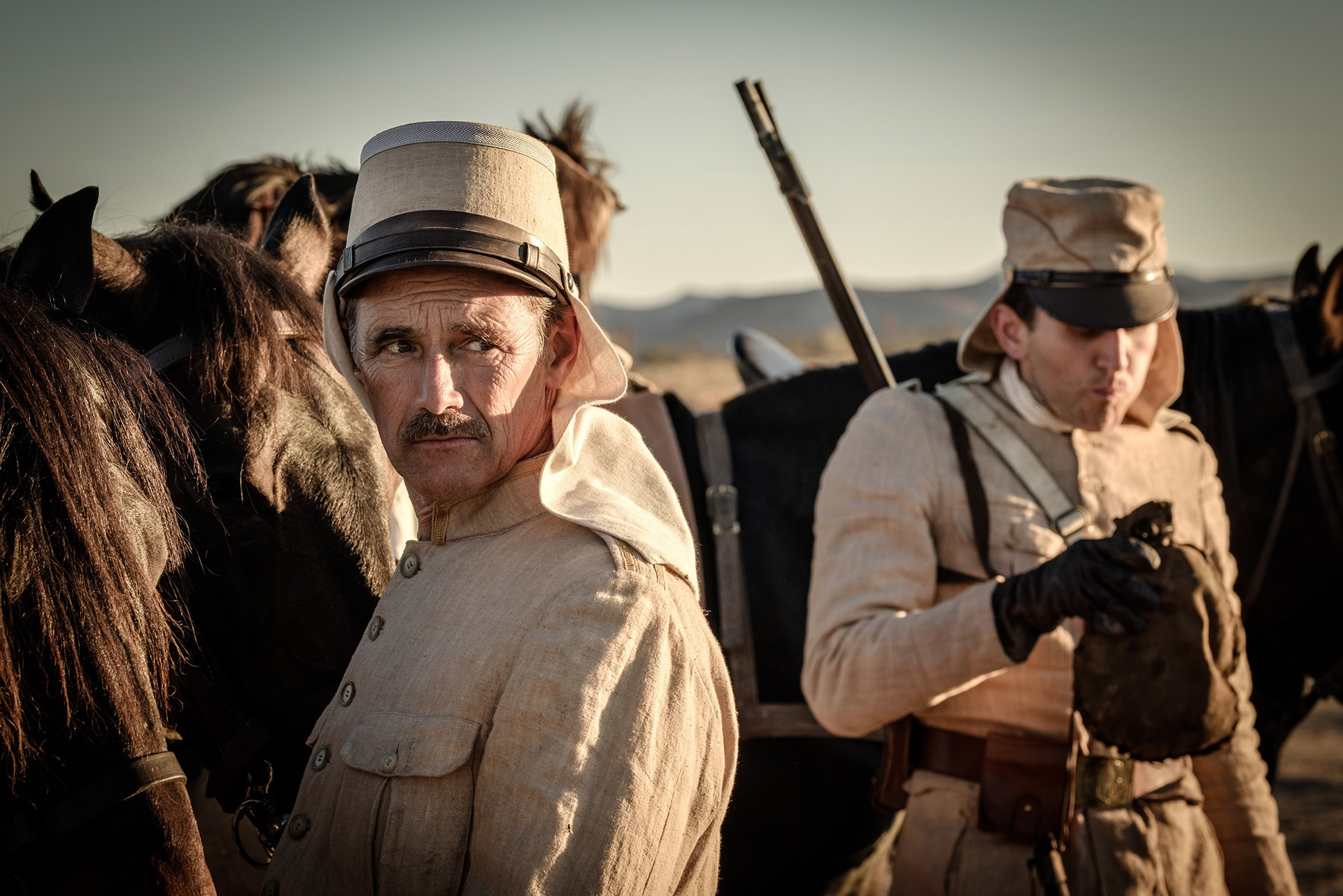 Waiting for the Barbarians: Mark Rylance in una sequenza