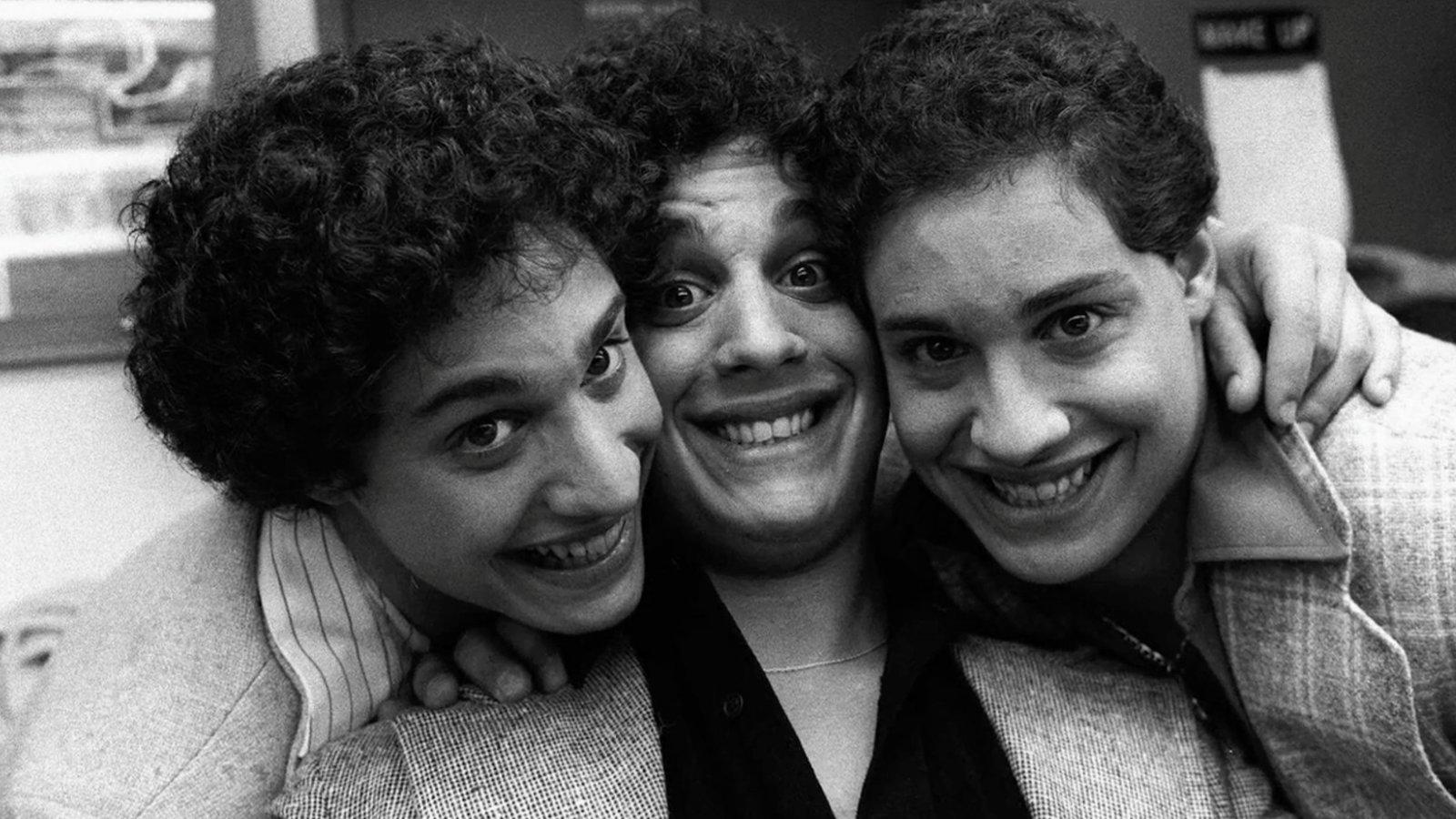 Three Identical Strangers: una foto del film