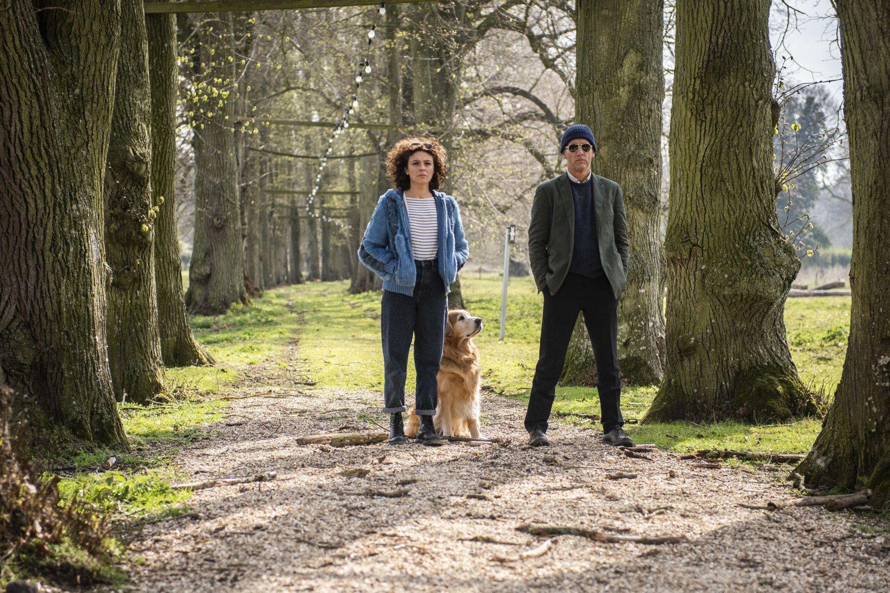 Guida romantica a posti perduti: Jasmine Trinca e Clive Owen in  una scena del film