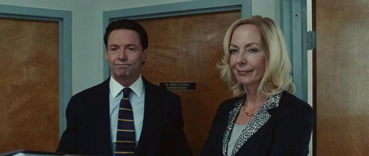Bad Education: Allison Janney, Hugh Jackman in una scena