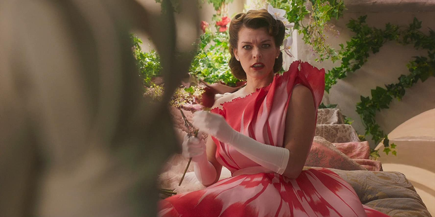 Paradise Hills: Milla Jovovich in una scena del film
