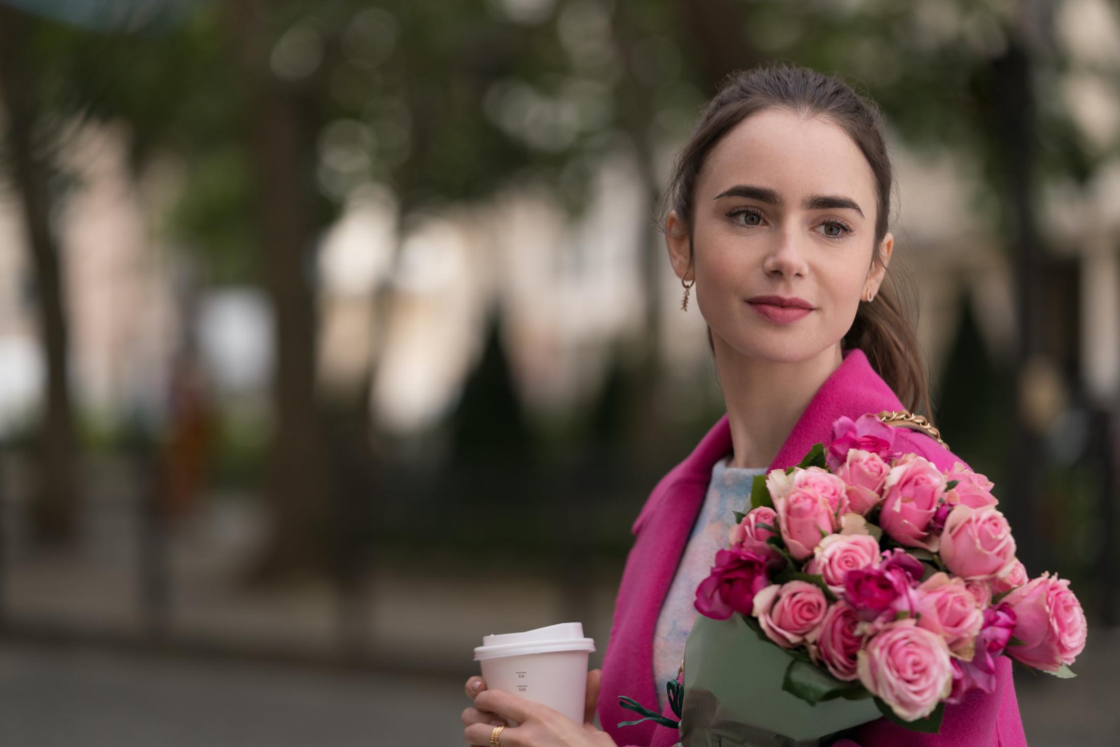 Emily in Paris: Lily Collins nella serie Netflix