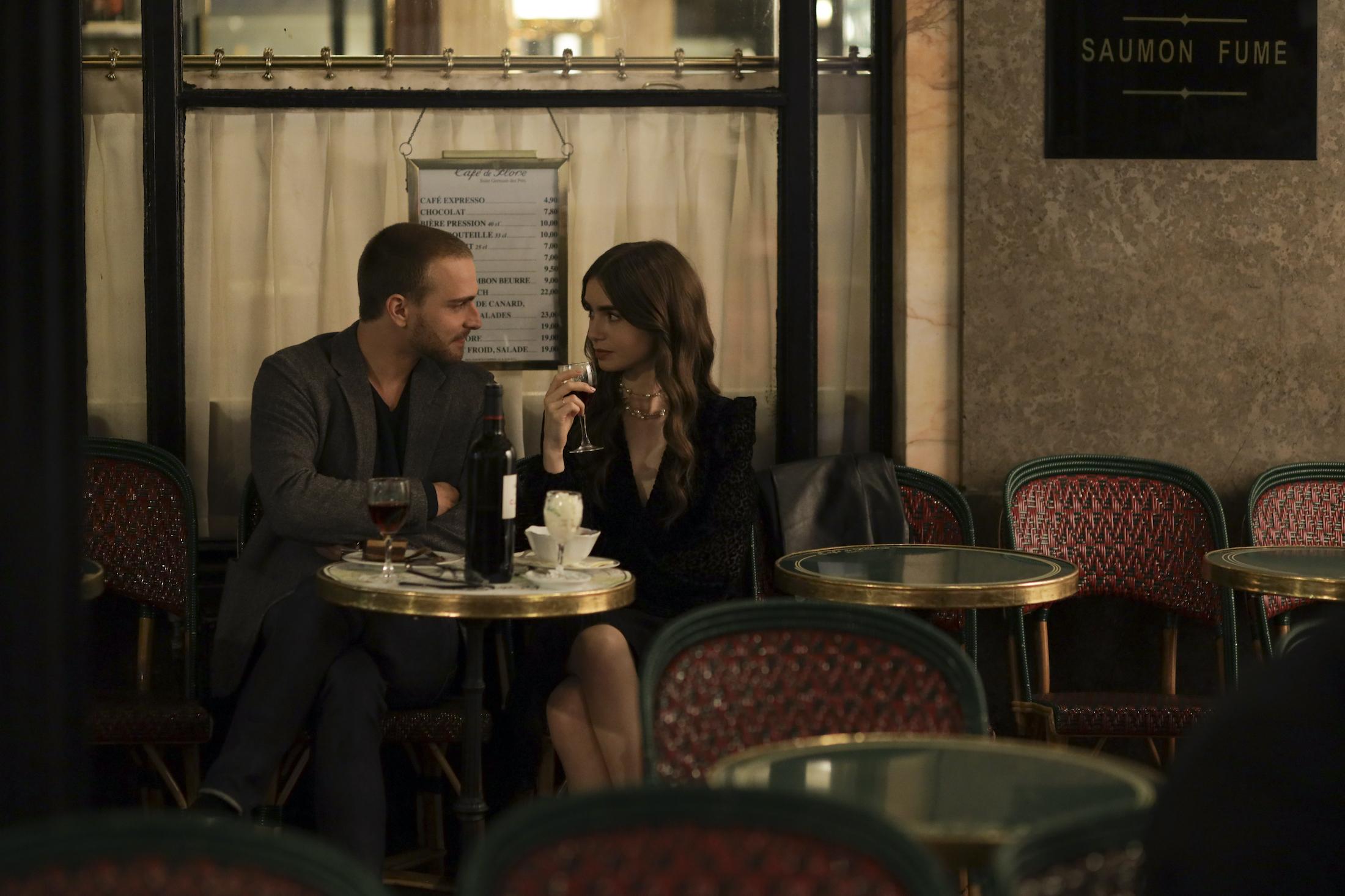 Emily in Paris: una foto di scena della serie Netflix