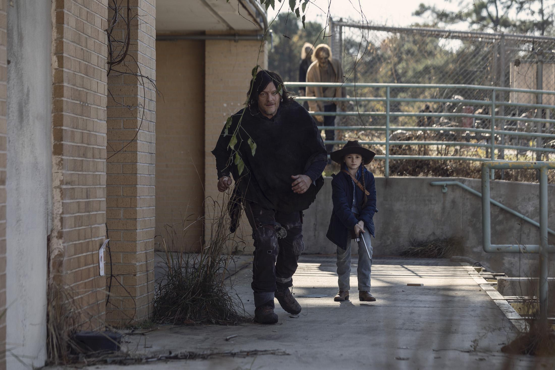 The Walking Dead 10: Norman Reedus in una scena del sedicesimo episodio