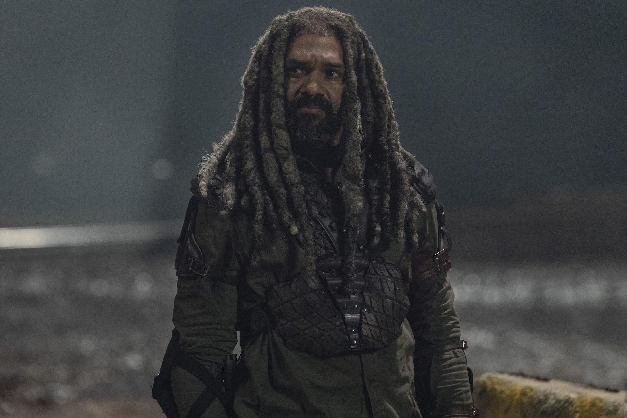 The Walking Dead 10: Ezekiel in una foto di scena