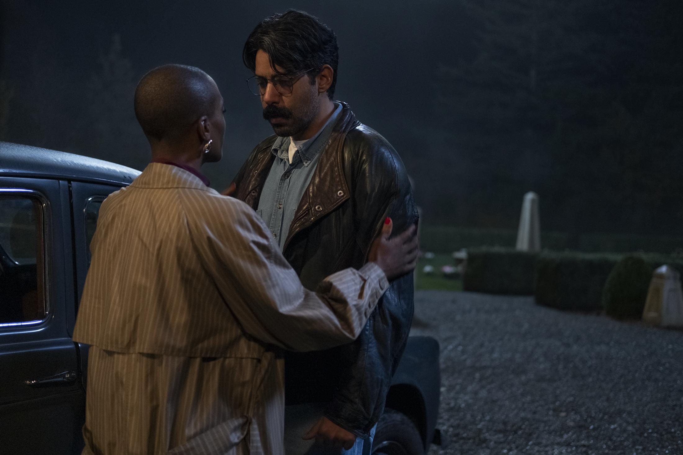 The Haunting of Bly Manor: Rahul Kohli e T'Nia Miller in una scena della serie Netflix