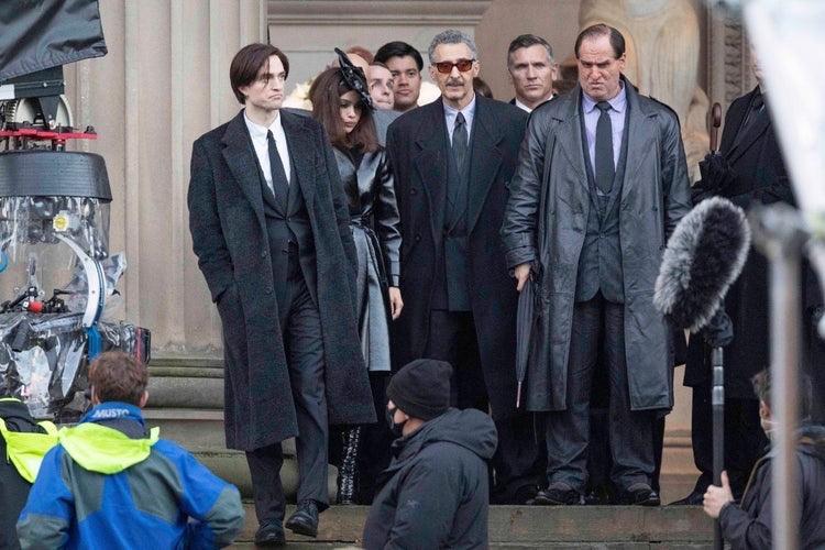 Robert Pattinson, Zoë Kravitz, Colin Farrell e John Turturro sul set di The Batman