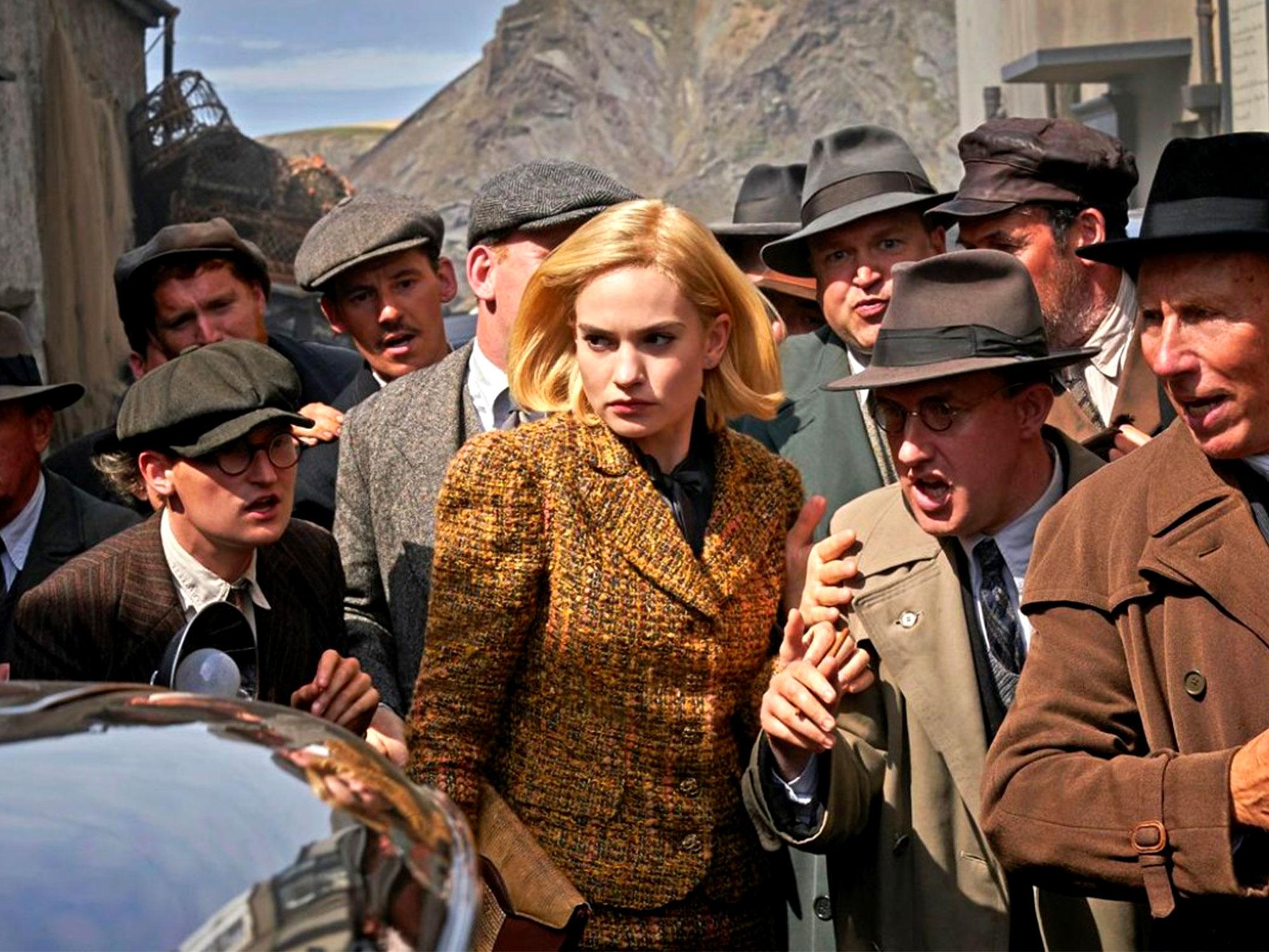 Rebecca: Lily James durante una scena del film