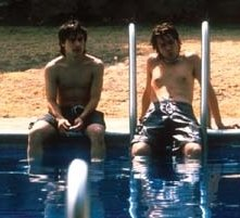 Diego Luna e Gael Garcia Bernal in una scena di Y tu mamá también