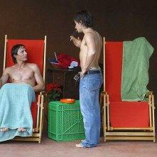 Gael Garcia Bernal e Fele Martìnez in una scena di La mala educaciòn