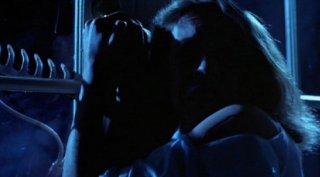 Jamie Lee Curtis in una scena del cult Halloween - la notte delle streghe