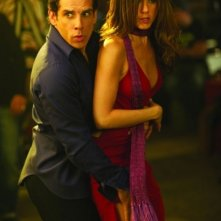 Ben Stiller accanto a Jennifer Aniston in una scena del film ... e alla fine arriva Polly