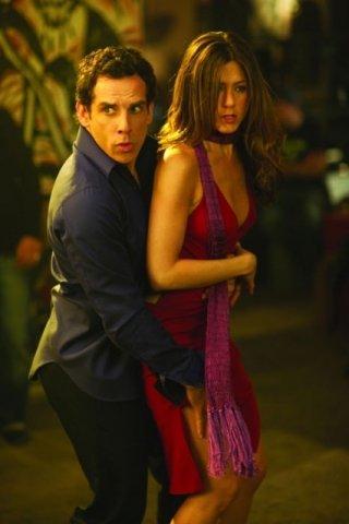 Ben Stiller accanto a Jennifer Aniston in una scena del film ... e alla fine arriva Polly