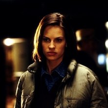 Hilary Swank in una scena del film Insomnia (2002)