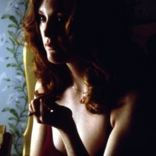 Julianne Moore in una scena del film Boogie Nights