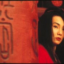 Maggie Cheung in una splendida scena del film Hero